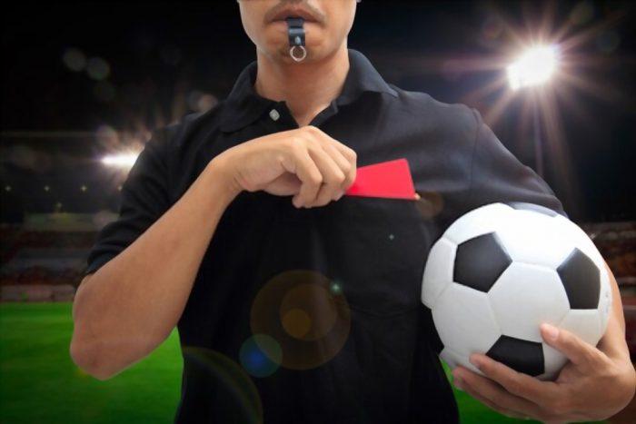 trọng tài bóng đá
