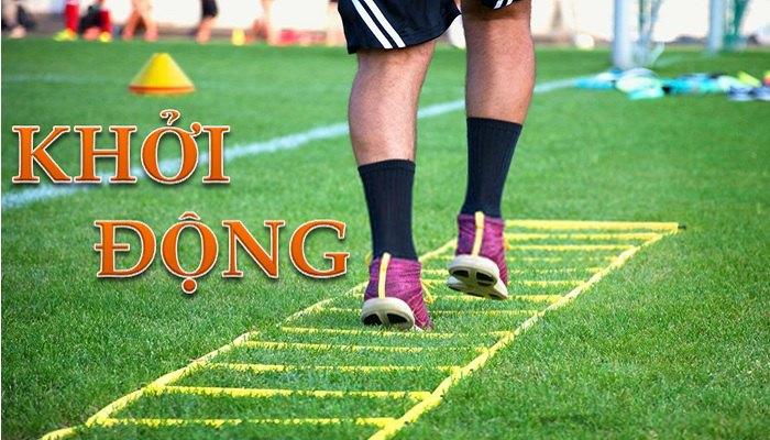 Khởi động trước khi đá bóng